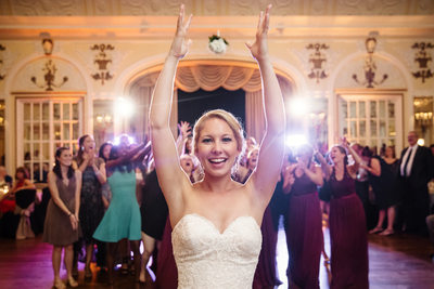 Memphis Wedding Photographer Peabody Bouquet Toss