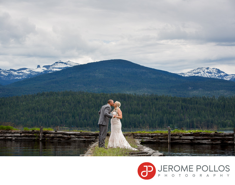 Bride Groom Mountain Kiss Elkins Resort Wedding