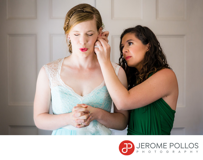 Bride Reaction To Wedding Jewelry at Spokane Club