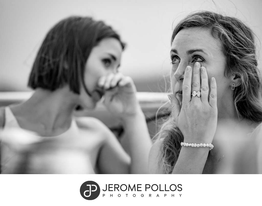 Crying sisters during Coeur d'Alene wedding speech
