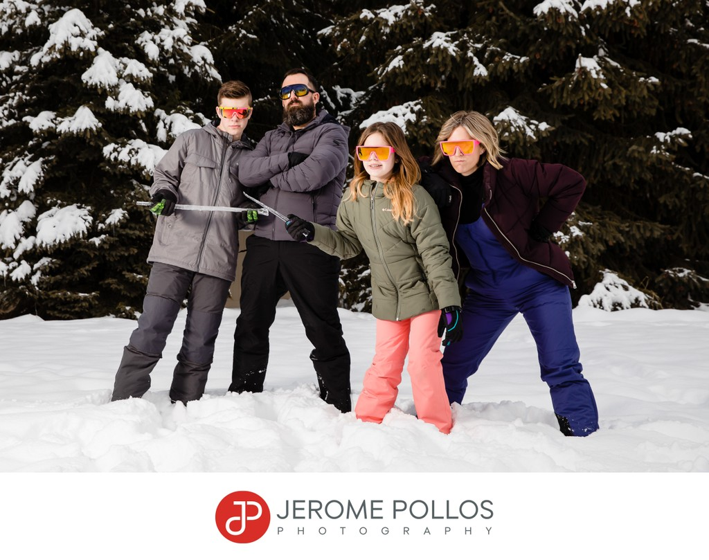Fun Coeur d'Alene Family Snow Portrait With Attitude