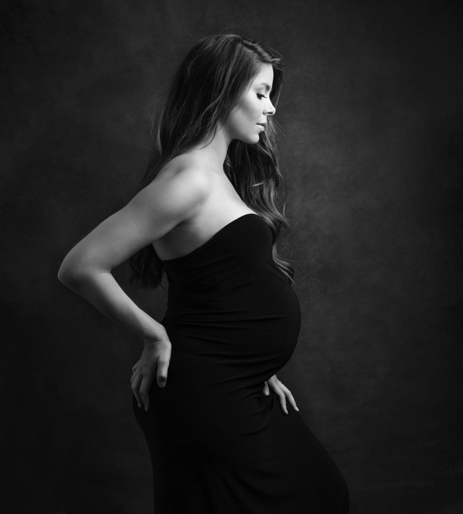 Artistic Maternity Photo Ams BW BettinaBattaglia