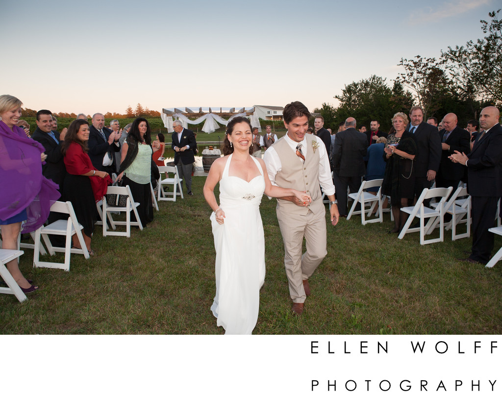 Laurel Lake Vineyard wedding photography
