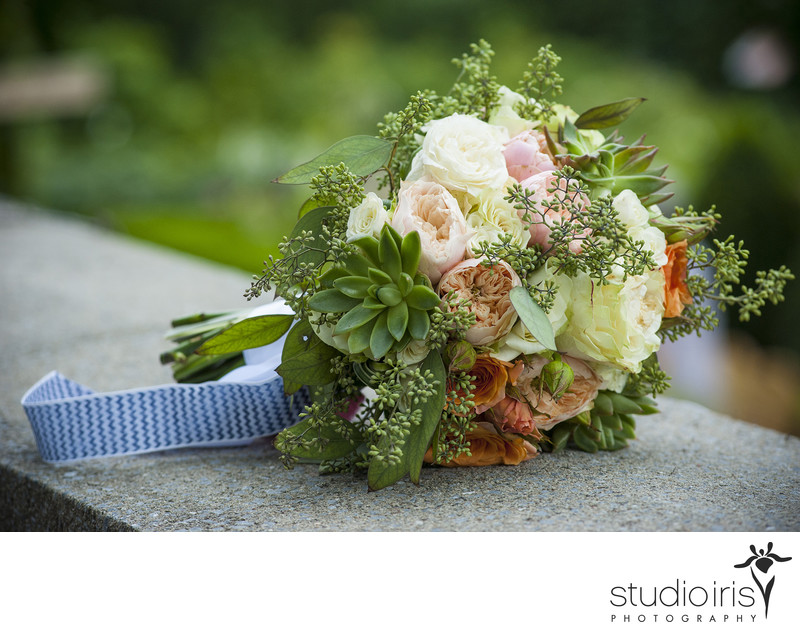wedding photo bridal bouquet