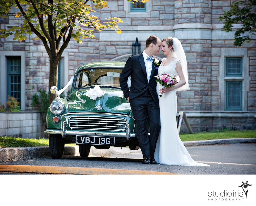 wedding photos with vintage cars