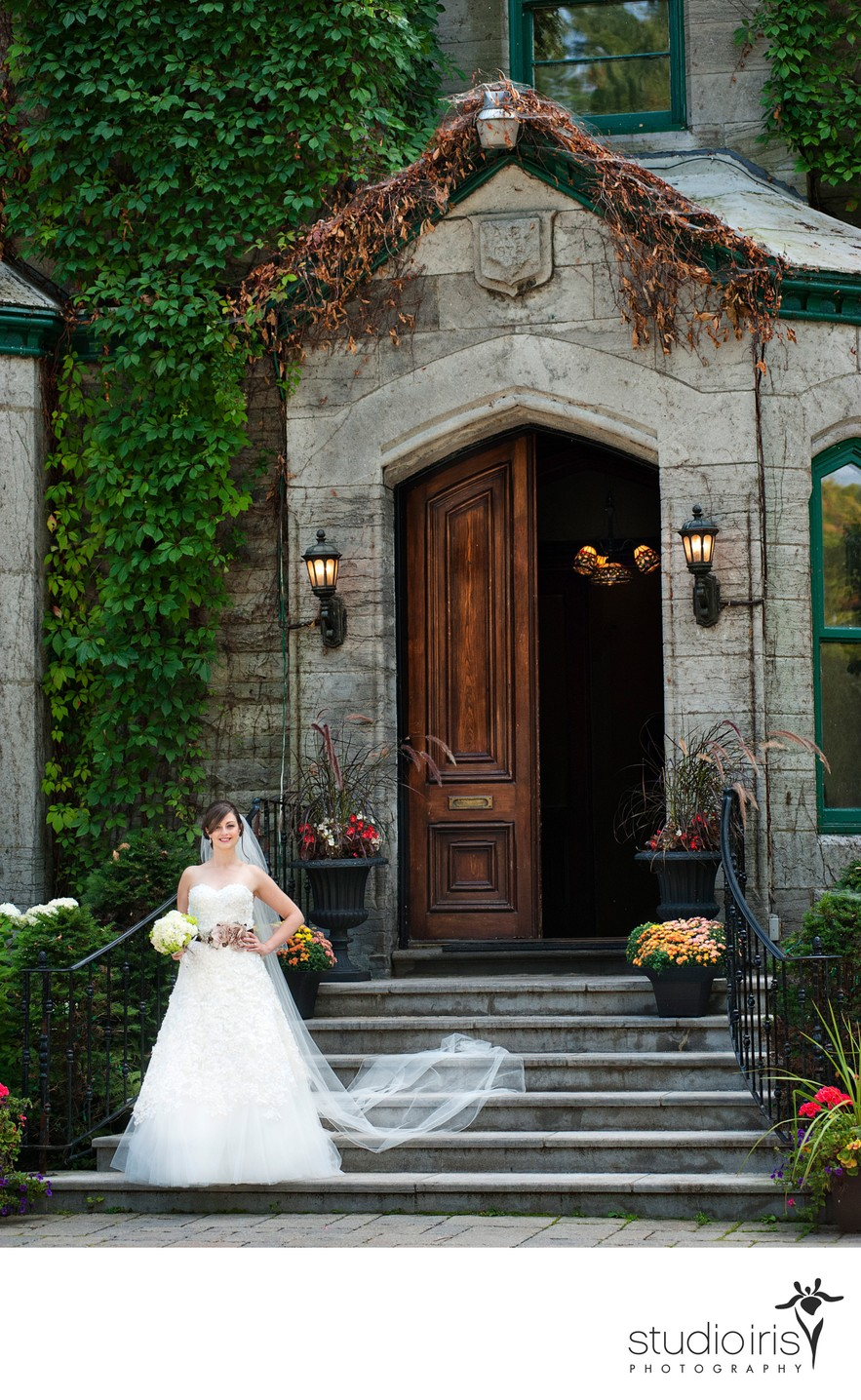 Bride on the steps of Montreal's Forest and Stream Club