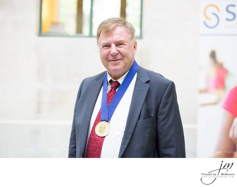 Dr. Jan Holmgren poses with the 2017 Sabin Gold Medal