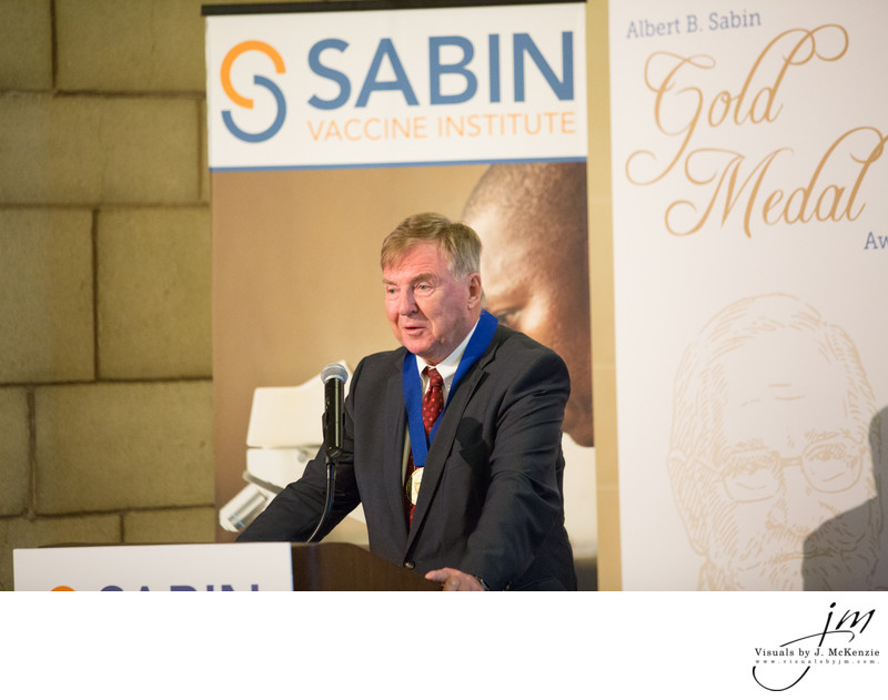 Dr. Jan Holmgren Receiving the 2017 Albert B. Sabin Gold Medal Award