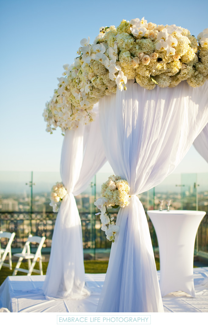 los angeles wedding chuppah covered in white flowers wedding d cor photographs embrace life. Black Bedroom Furniture Sets. Home Design Ideas