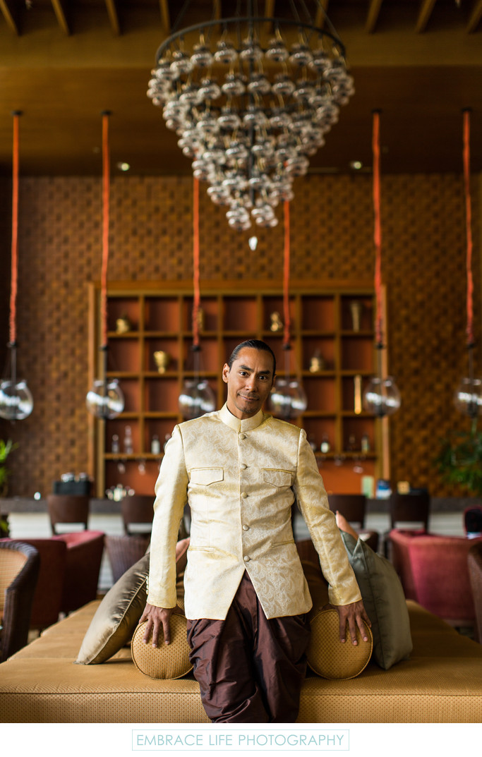 Groom Wears Thai Traditional Praracha-Pa-Tan