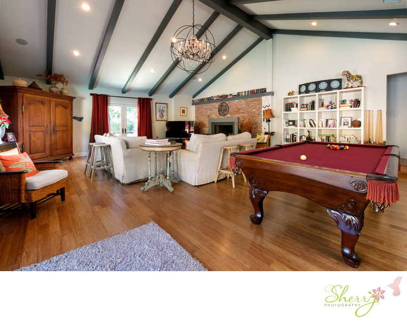 Malibu summer rental living room pool table