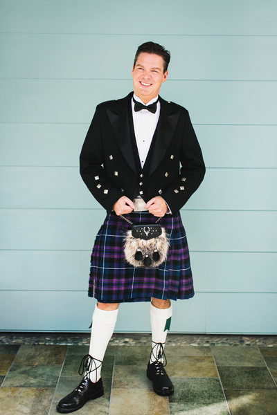 groom in a kilt