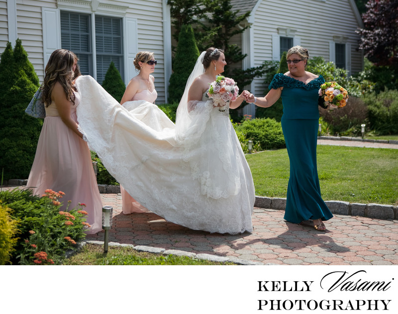 westchester bride walking to her limo
