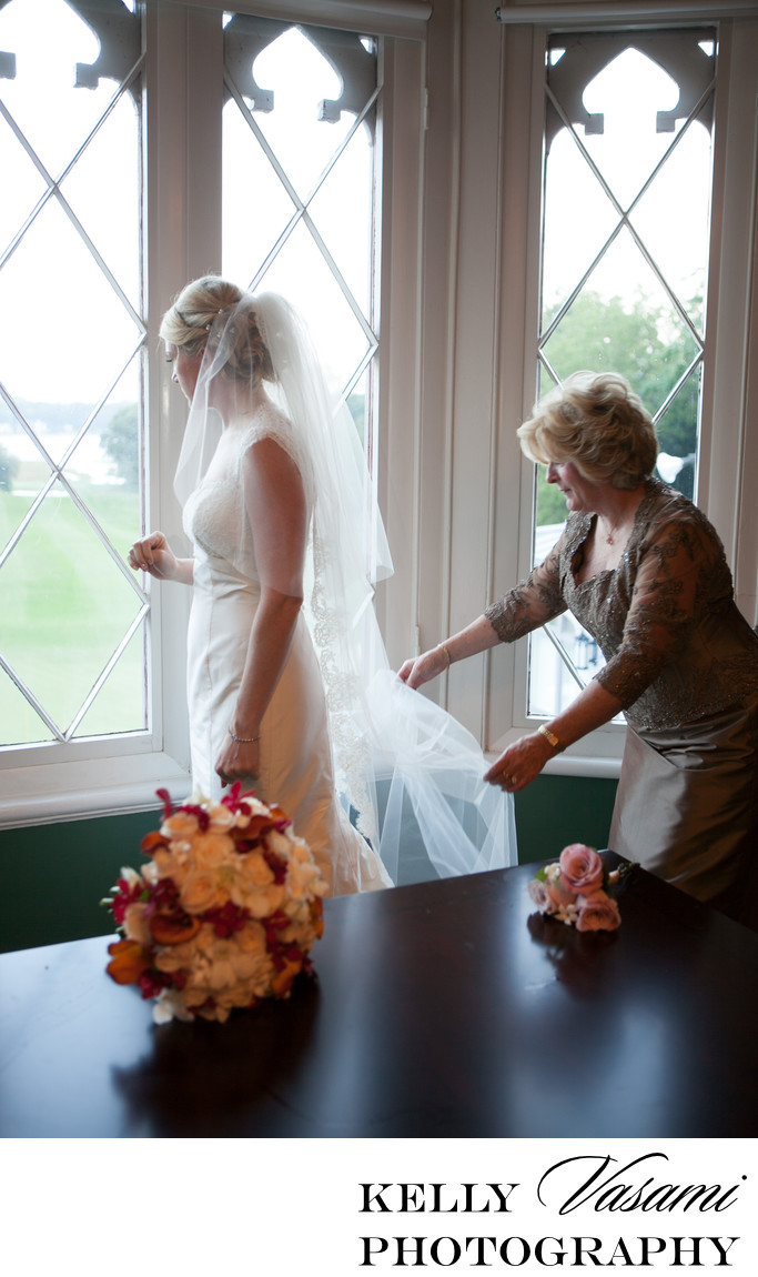Bride with her mother | Whitby Castle Rye NY