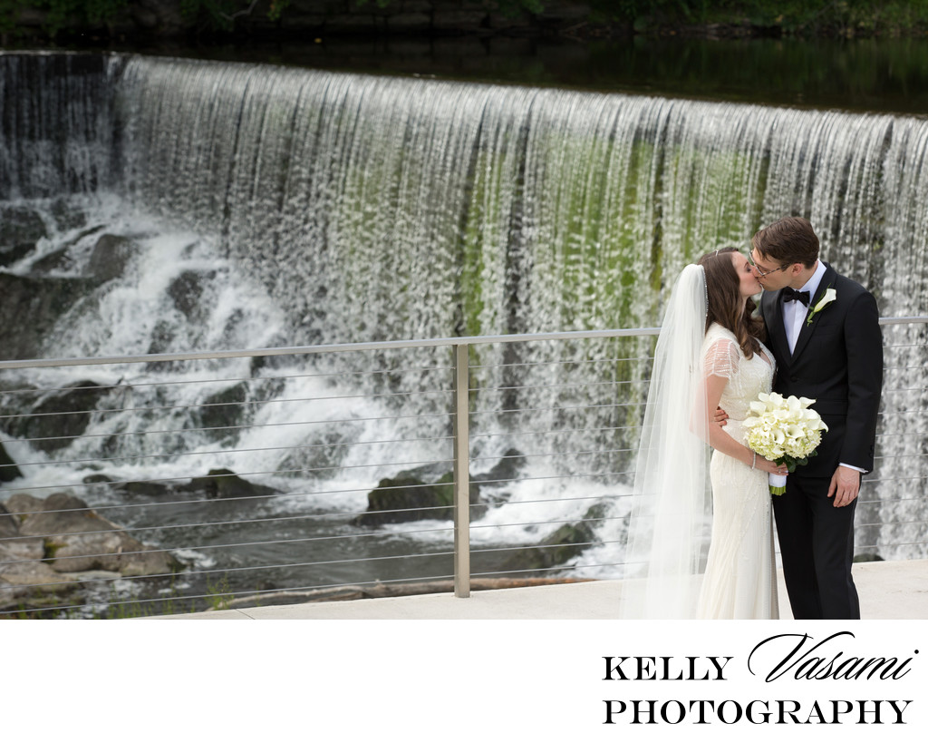wedding at the roundhouse at beacon falls