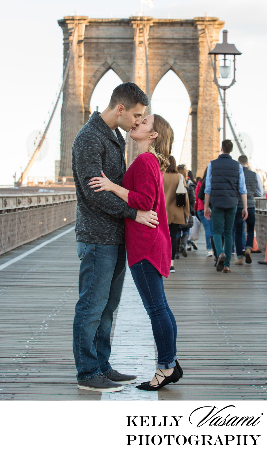 Brooklyn Bridge Kissing Couple | Engagement Photos