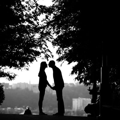 park Silhouette kiss engagement session westchester NY
