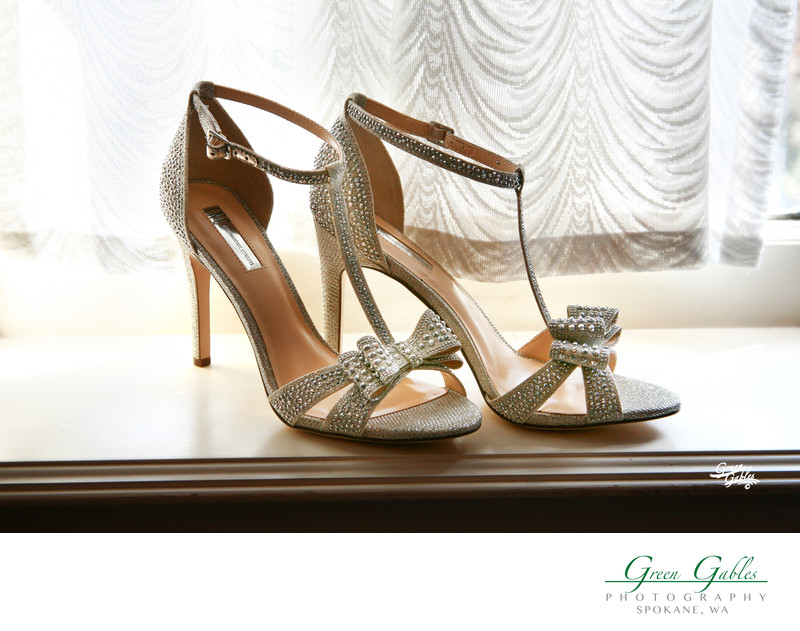 wedding details, brides shoes