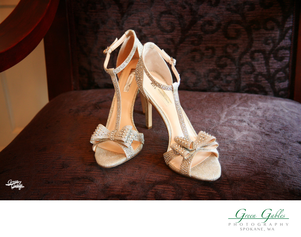 brides shoes,  brides dressing room, Historic Davenport Hotel