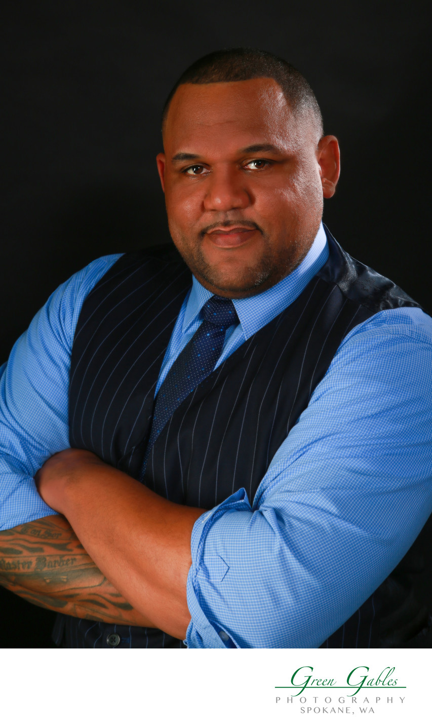 Mr.lee-lewis-master barber-headshot