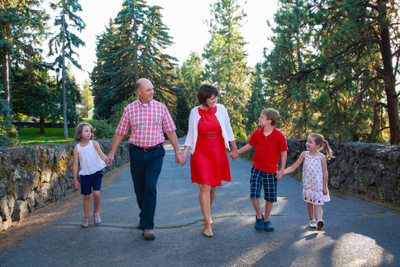 family photos, outside, manito park-walking, spokane