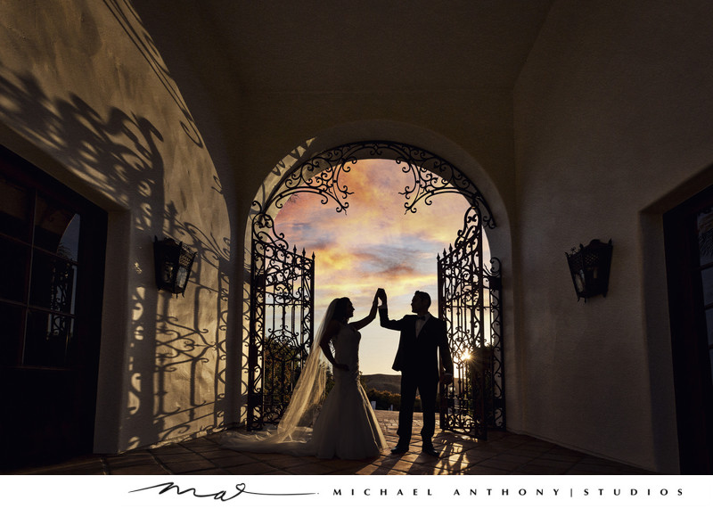 Hummingbird Nest Ranch Bride and Groom Sunset Photo