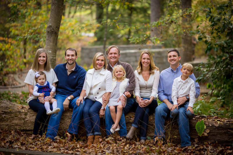 Large extended family photographer