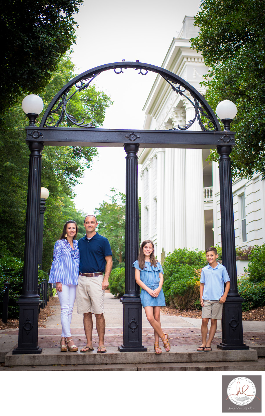 Family photography under the uga arches