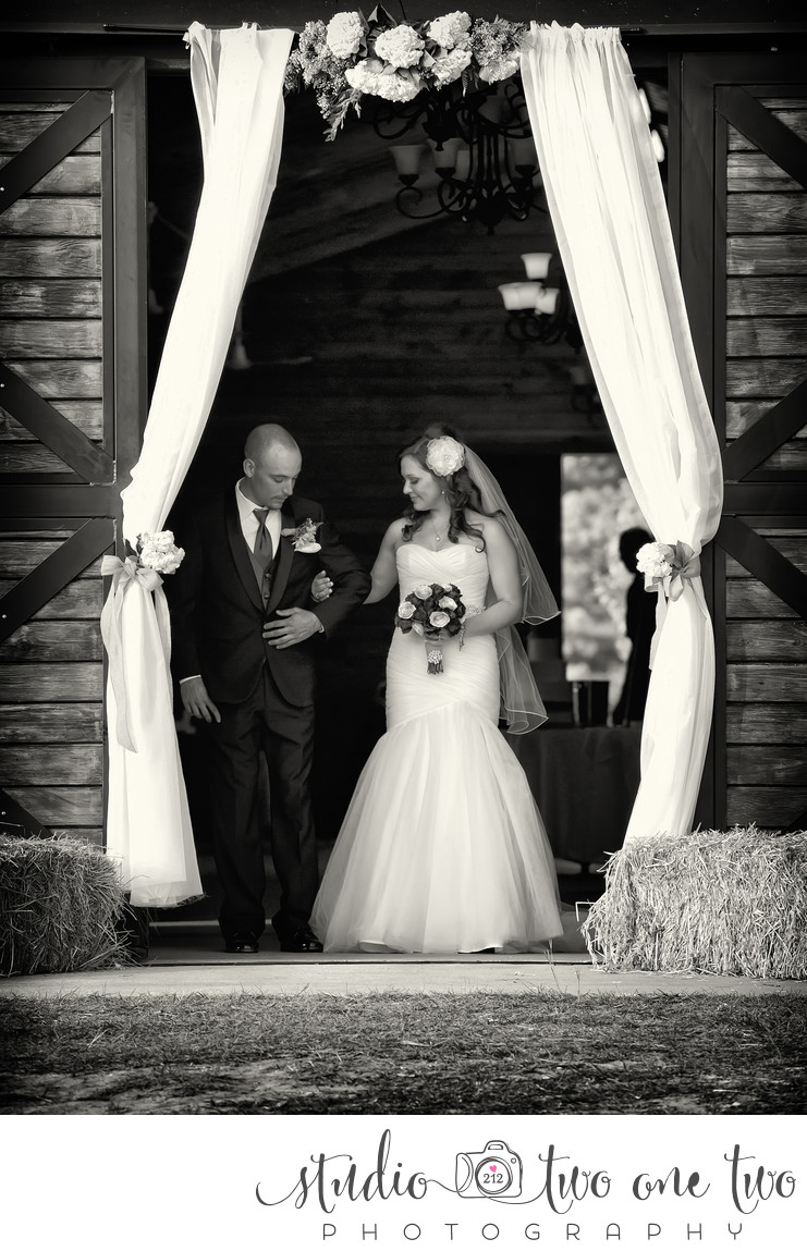 Wedding Photographer at Farm at Ridgeway