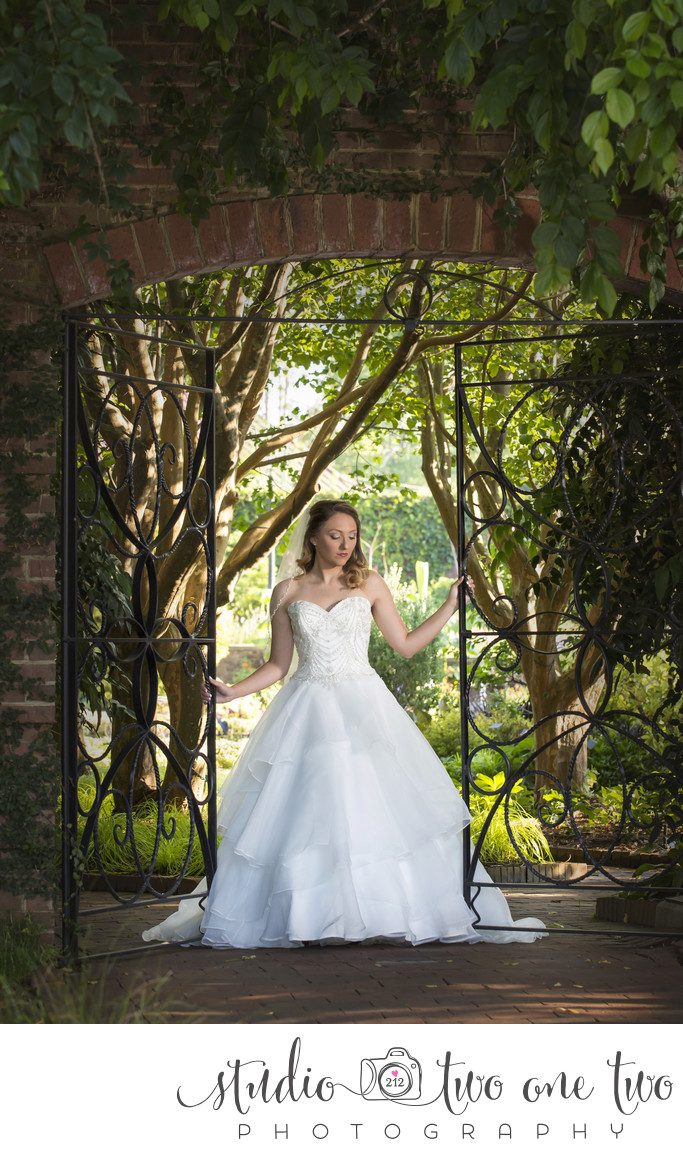 Riverbanks Botanical gardens bridal photos