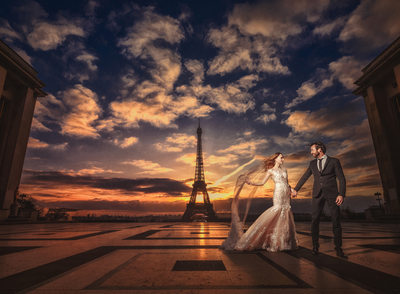 Paris destination wedding picture