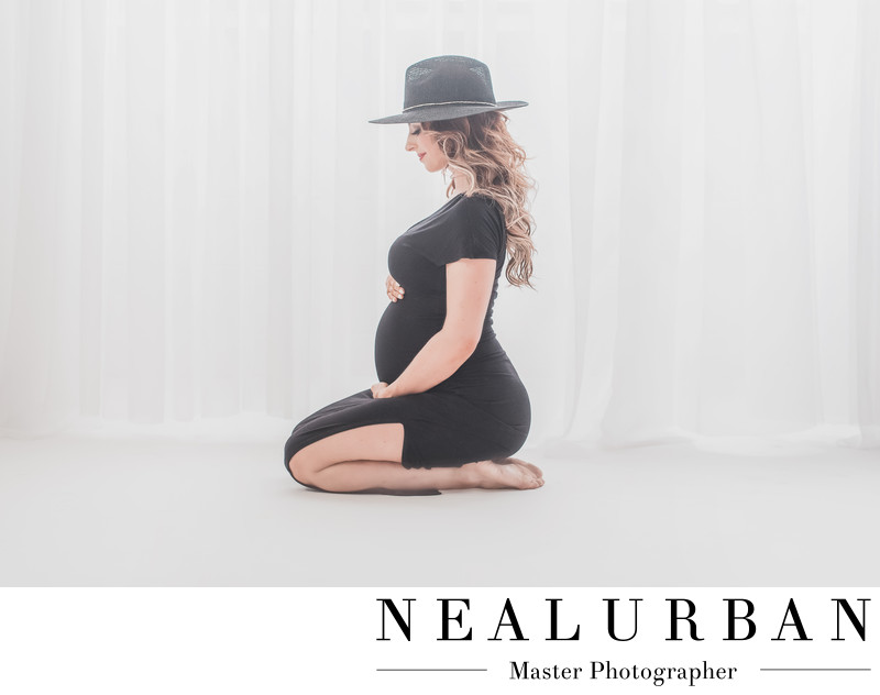 best buffalo maternity photographer black dress with hat
