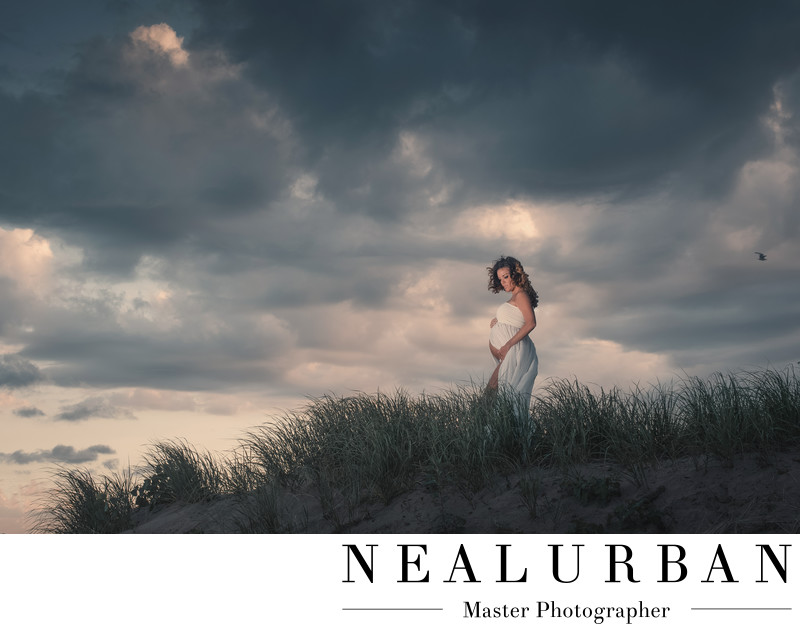 buffalo pregnancy photographers outfits beach tall grass