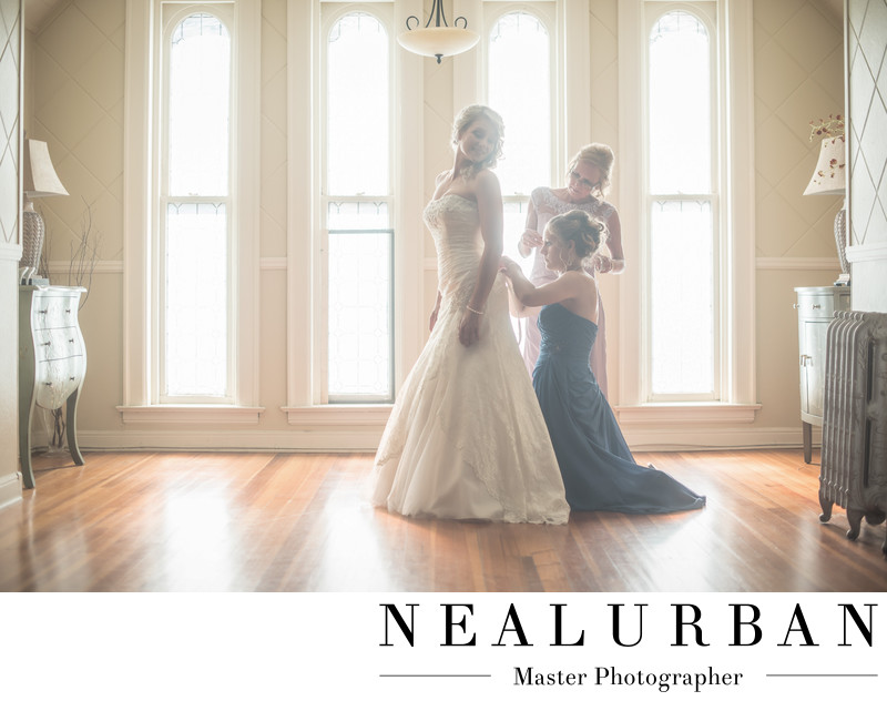 buffalo wedding photographers at tonawanda castle bridal suite