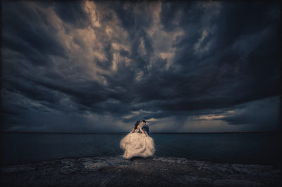 buffalo wedding photography in the rain bad weather waterfront
