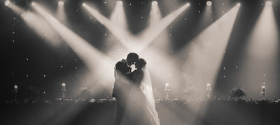 New Years Eve Wedding at Rapid's Theatre in Niagara Falls