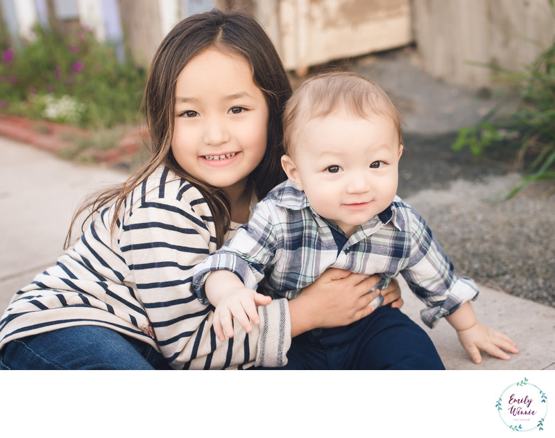 Baby brother with sister-Venice, CA family photos