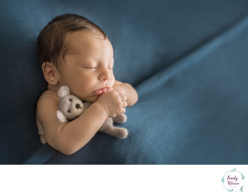 Emily Winnie Photography-Newborn all tucked in