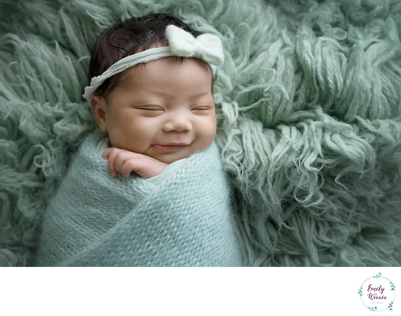 Emily Winnie Photography-Newborn in mint