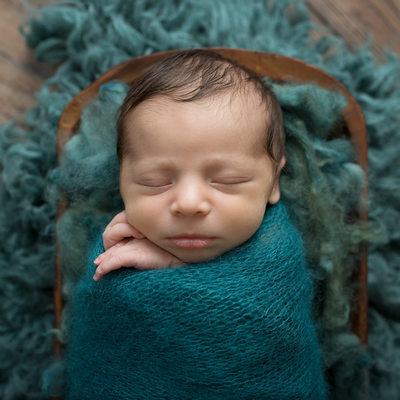 Emily Winnie Photography- Baby in Teal blanket