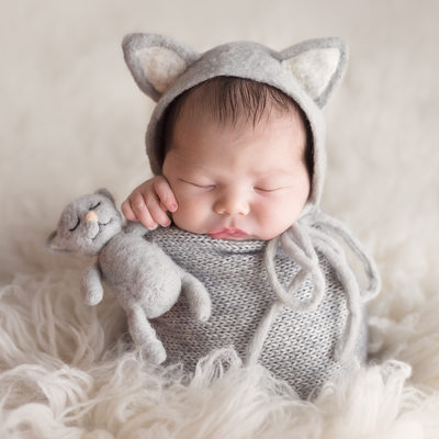 Emily Winnie Photography-newborn in kitten outfit
