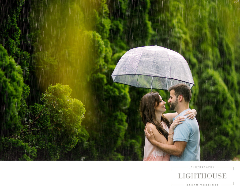 long island Wedding photos in the rain