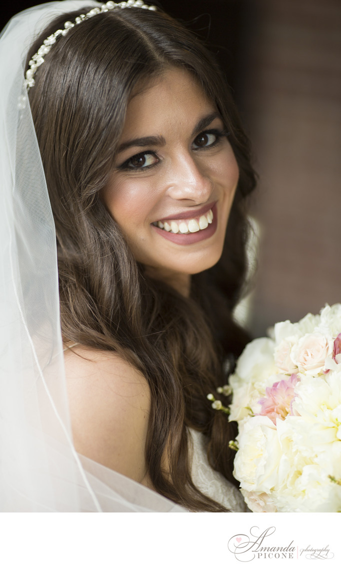 Portrait of beautiful bride at Temple Sinai Wedding