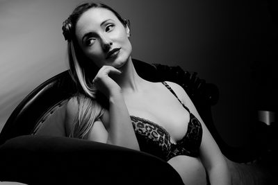 Black & White Pinup Photos in Brisbane