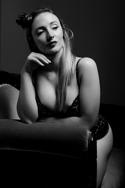Sexy Black & White Pinup Photos in Brisbane