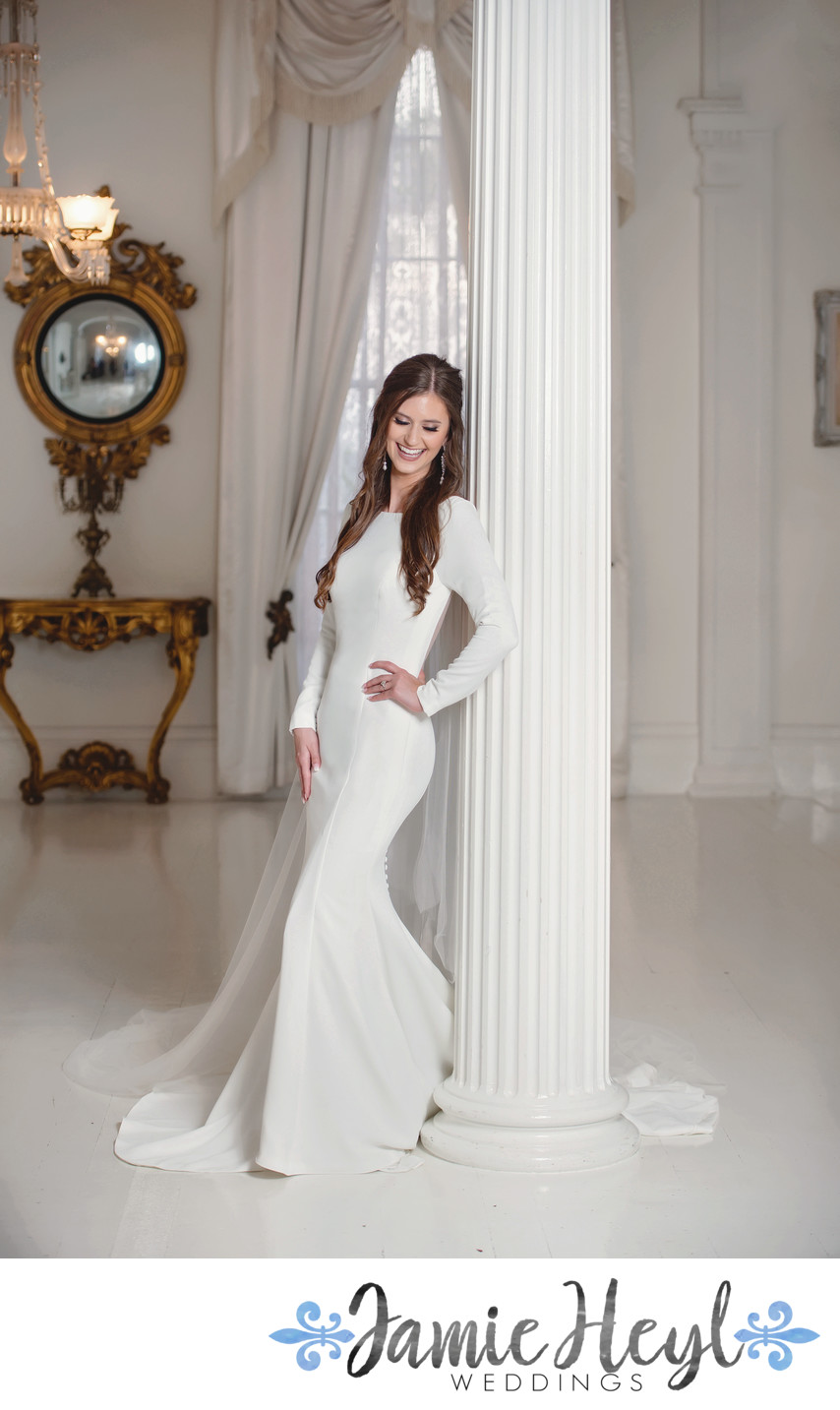 Nottoway White Room bridal portrait