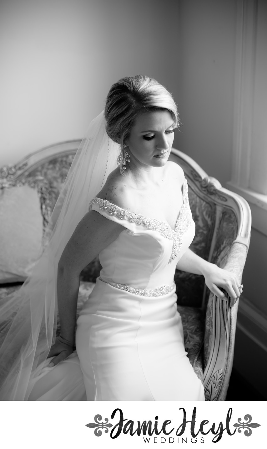 Ducros Plantation black and white indoor bridals