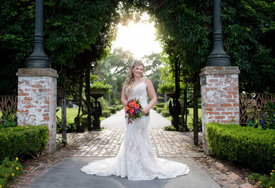 Houma's House Plantation outdoor bridal portrait