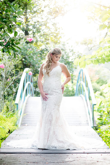 Houma's House blue bridge bridal portrait