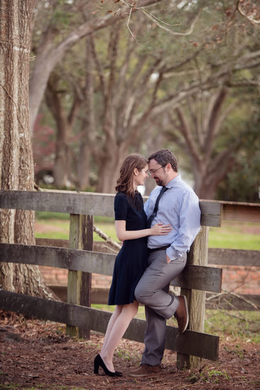 Houma winter fence engagement photos